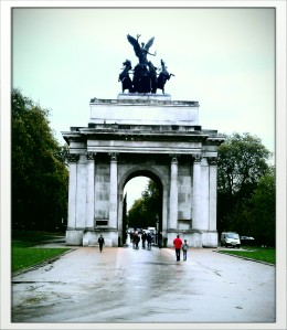 The Wellington Arch, gateway between Hyde and Green Parks.